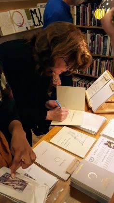 kate signing